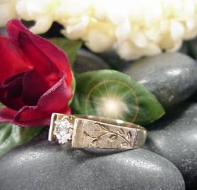 hawaiian wedding ring maile scrolljpg 22633 bytes - Hawaiian Wedding Rings